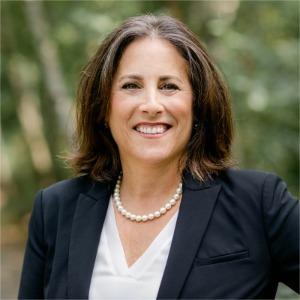 Dayna E. Underhill's Profile Image