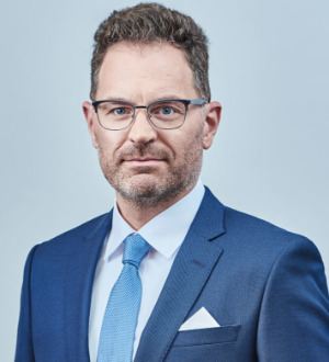 Dr heinz wilhelm esser