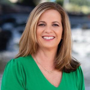 Nicole R. Ament