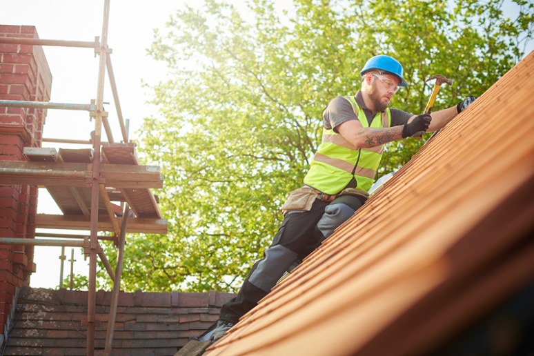 Who Is Liable if a Contractor Is Injured on My Property?
